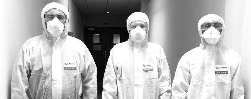 Agents de propreté équipés pour la désinfection de surfaces par voie aérienne