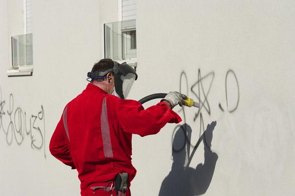 Syndic de Copropriété - elimination de graffitis sur parties communes